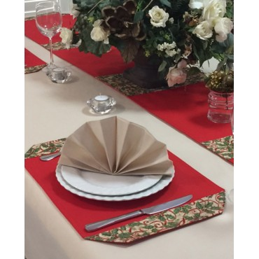 PM05 - Place Mats - Red with Christmas Holly Trim